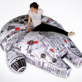 Woouf! - Millennium Falcon bean bag