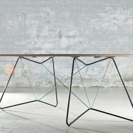 OK design - Table on a string