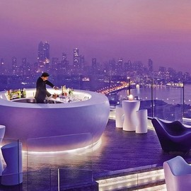 Four Seasons Mumbai - Spectacular Rooftop Bar.