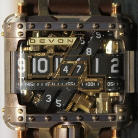 Devon - Devon Tread 1 Steampunk watch