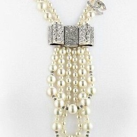 CHANEL - necklace.