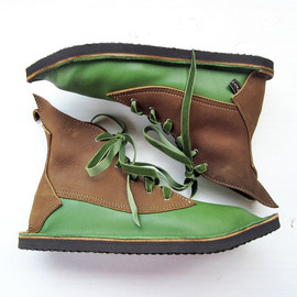 Size UK 3, D fitting, handmade fairy tale leather boots, Larch green, Peanut butter, MOTH 1711 by Fairysteps
