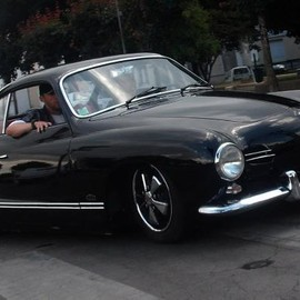 VW Karmann Ghia 1957 - http://images.forum-auto.com/mesimages/416409/DSCF6980.jpg