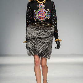 Manish Arora - FALL 2013 READY-TO-WEAR Manish Arora