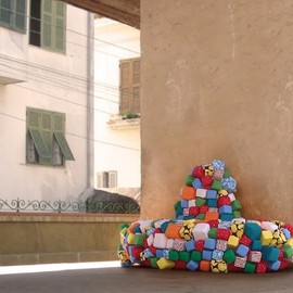 Favela Morro Sofa Design by deQuinta