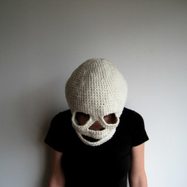 DeweyDecimalCrafts - Crocheted Skull Mask