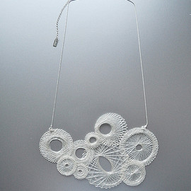 miette - spiro necklace