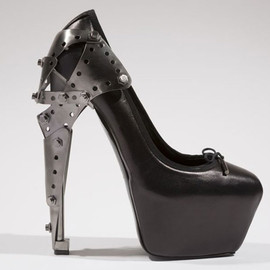 Alexander McQueen - heels for Shoes Obsession: Extraordinary heels