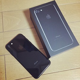 Apple - iPhone7 jet black 256MB