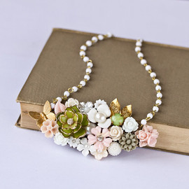 Romantic Statement Necklace