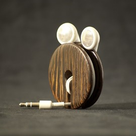 AcousticDesign - Wood Earbud Holder