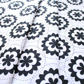 Art Gallery Fabrics - Geometric Bliss Fractal Garland Black