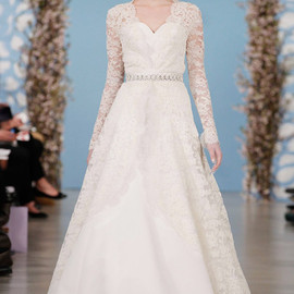 oscar de la renta bridal 2014 wedding dress long sleeve lace overlay