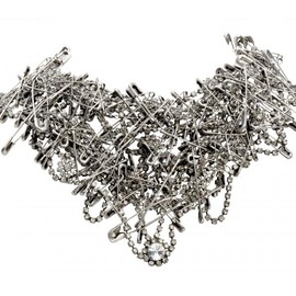 Tom Binns - SILVER MULTI SAFETY PIN NECKLACE