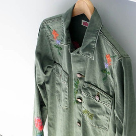 HOLLYWOOD RANCH MARKET - FLOWER EMBROIDERY ARMY SHIRT
