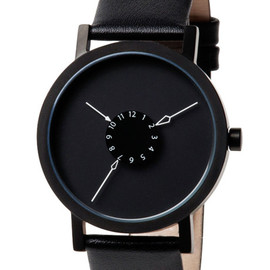 Project Watches - Nadir / leather band|新鋭プロダクトデザイナーがデザインしたミニマルな腕時計