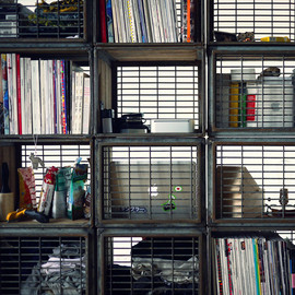 Moon River Chatte - Milk Crate Bookcase