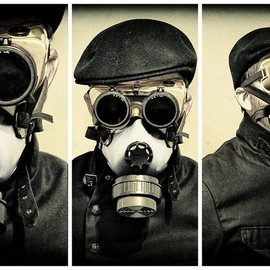 by abruption - gas mask