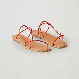 COS - STRAPPY FLAT SANDALS - Vibrant orange - Sandals