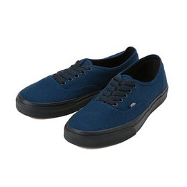 "VANS - AUTHENTIC ""BLACK SOLE"" NAVY"