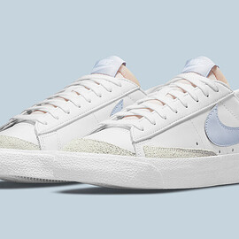NIKE - Blazer Low '77 - White/White/White/Ghost