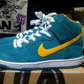NIKE SB - NIKE DUNK HIGH PRO SB TROPICAL TEAL/UNIVERSITY GOLD-WHITE