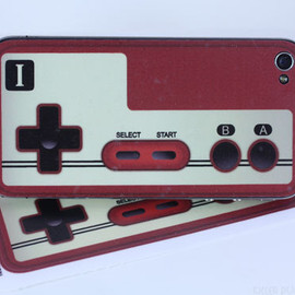 KillerDuckDecals - Classic Famicom controller iPhone 4 Decal Skin