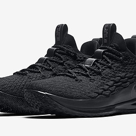 NIKE - LeBron 15 Low - Triple Black