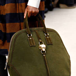 BURBERRY PRORSUM -  BAG 2012A/W RUNWAY
