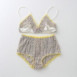 ヤーチャイカ for GIRLIN'  ::: PUNK LOVE :::  Bra & Panty Set (GIRLIN' WHITE)