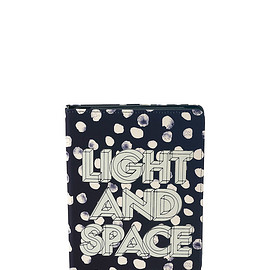MARC BY MARC JACOBS - Light & Space Dee-Lite Dot Tablet Book