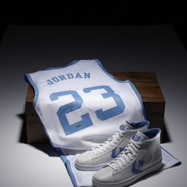 CONVERSE -  	 Michael Jordan X Converse Limited Edition Signed Commemorative Pack