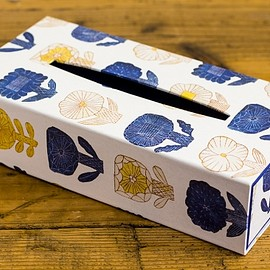 box&needle - TISSUE BOX -FLOWERS IN THE MORNING-