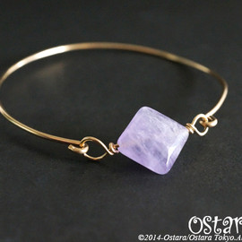Ostara - 14k Gold Filled Wire Bangle with Power Stone/Diamond Shape Lavender Amethyst