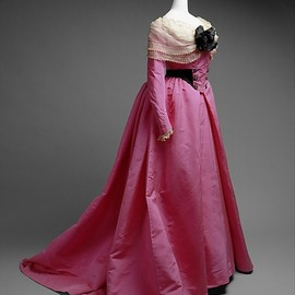 Dress, House of Worth 1900, French, Made of silk