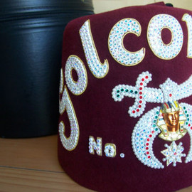 JEWELED MASONIC FEZ HAT - WITH STORAGE BOX - BOTH EXCELLENT CONDITION