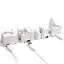 KIKKERLAND - USB Hub for the Lonely City