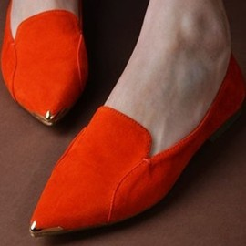 pointed metal toe shoes.