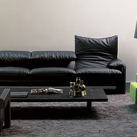 Cassina - MARALUNGA 3seater sofa (Vico Magistretti)