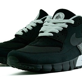 Nike - Nike  Air Max 90 Current Huarache   Black   Grey