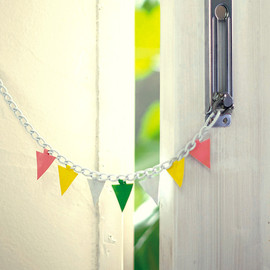 Tomorrow Design, see/saw - DOOR CHAIN FLAG