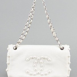 CHANEL - Limited Edition White Pearl Lambskin Bag