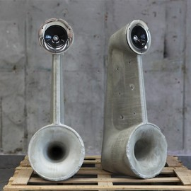 Linski Design - Exposed concrete speakers