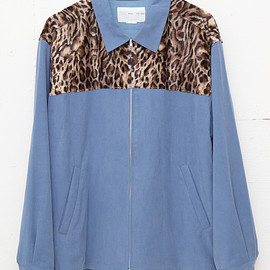 NADA. - Leopard shoulder swing top