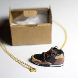 Air Trainer Necklace