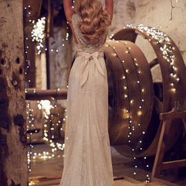 WEDDING - Wedding dress by Anna Campbell
