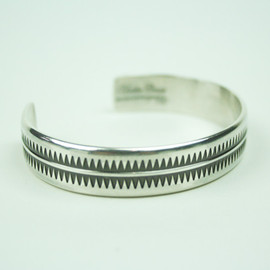 UNDERCOVER - GIZ SILVER BANGLE/NAGOYA LIMITED