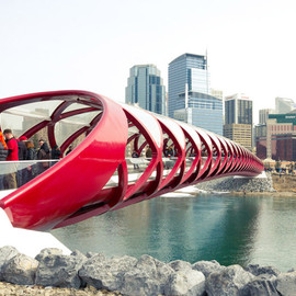 Santiago Calatrava - Peace Bridge in Calgary, Canada