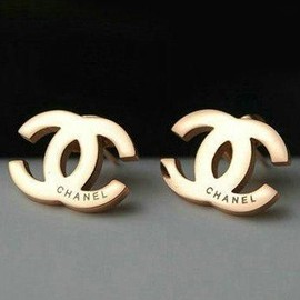 CHANEL - gold studs
