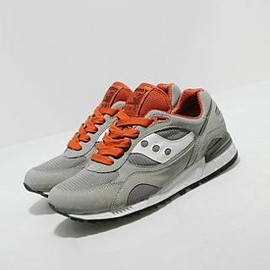 SAUCONY - SHADOW 90